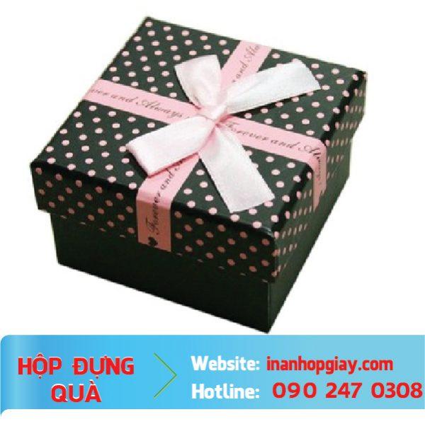 in hộp đựng quà