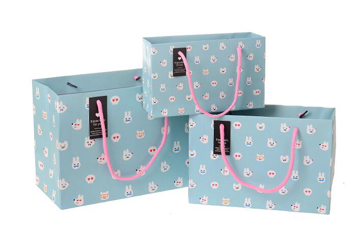 mẫu in túi giấy đẹp cho shop