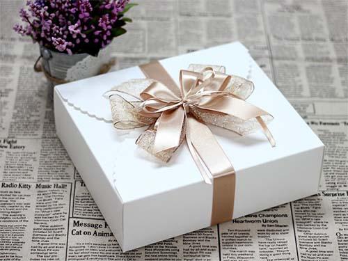 in hộp quà tặng cao cấp
