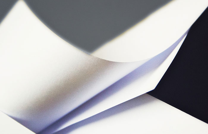 Đặc điểm của giấy Bristol là gì
