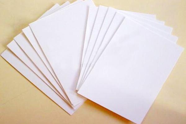 Ứng dụng của giấy Bristol là gì